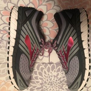Brooks Ariel 18 Running Shoes
